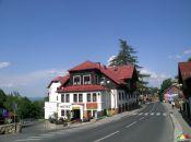 Konstytucji 3 Maja skrzyżowanie z ulicą Nad Łomnicą