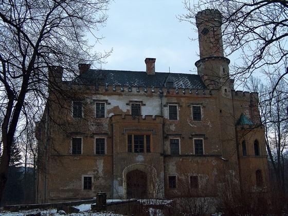 Zamek w Karpnikach - 23 km od Barcinka