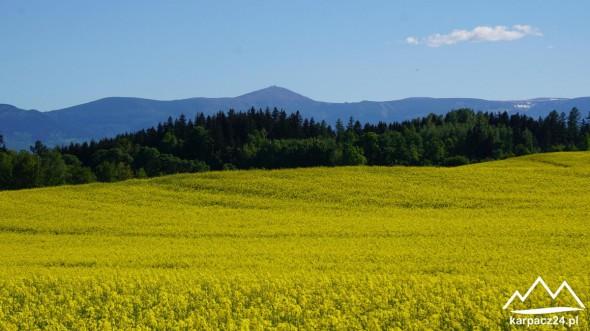 Panorama Karkonoszy wiosną