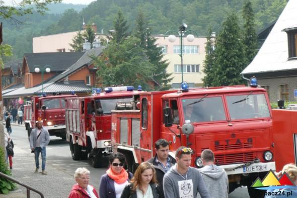 Parada wozów strażackich