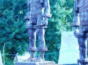 rzeźby Ludzie z żelaza - Zbigniewa Frączkiewicza