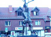 Skwer Radiowej Trójki - Pomnik Liczyrzepy na ul 1 Maja
